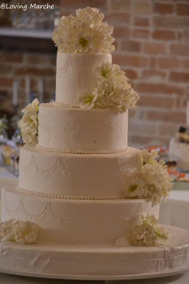 Wedding cake - la Torta Nuziale con decorazioni fiori di zucchero