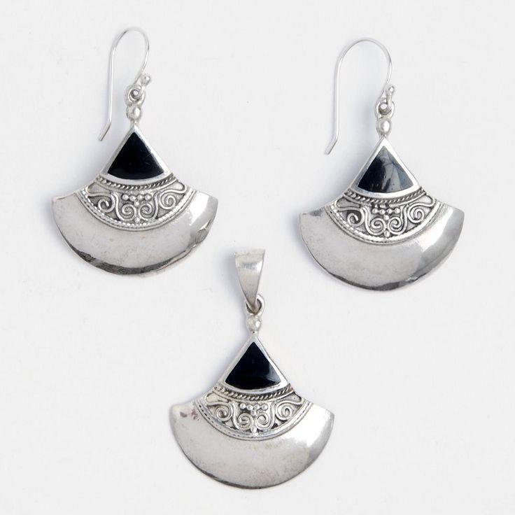 Set cercei și pandantiv Raya, argint și onix negru, Indonezia  #metaphora #jewellery #jewelryset #silver #earrings #onyx #blackonyx #india