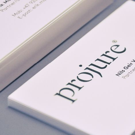 Projure is a well established law firm with profiled and skilled lawyers. A desire to further strengthen the brand, has turned in to a new visual identity and website for the law firm.