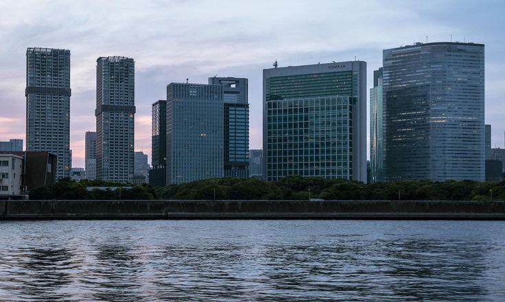 Tokyo Bay 0229 http://sandman-kk.tumblr.com/post/163290503568 #Tokyo #Japan #urban #city #buildings #bay #waterfront #dusk #sky #clouds #urbanphotography #skyline #cityscape #instagrammers #photographers