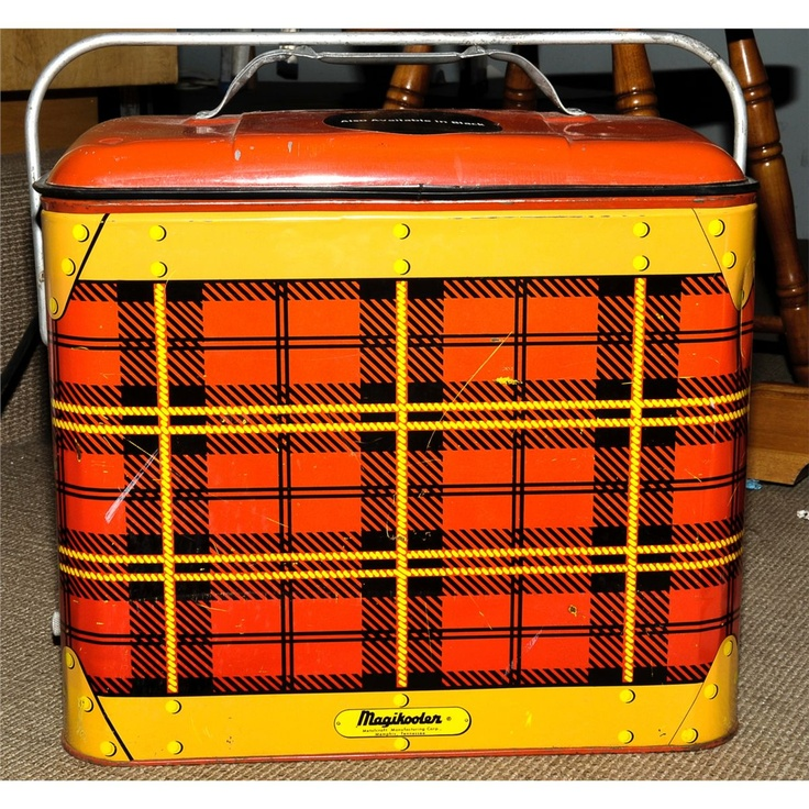 My aunt Dorothy would bring a plaid tin picnic cooler just like this but round. Same colors !