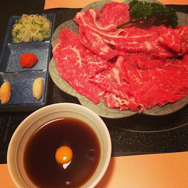 札幌の老舗和牛専門店で生肉食べてきました!なんと生のまま薬味とタレにつけて食べるお肉は、なかなか食べられない味で感動です。 #肉 #生肉 #和牛 #meat #生 #刺身 #肉刺し #牛肉 #すき焼き #しゃぶしゃぶ #いしざき #steak #高級 #珍しい #japanese #japanesefood #food #foodpic #foodpics #foodstagram #instagram #instagood #instalike #instafood #札幌 #北海道 #sapporo #hokkaido