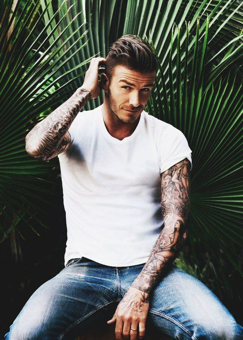 its been a few weeks since i've cyber stalked David Beckham for a recent pic, i like to think of it as a healthy obsession. sorry not sorry Vicky, haha...
