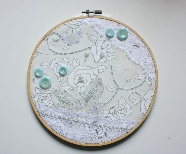 Februar #Stickrahmen Schmetterlings-Collage luftig-nebulös-zart #Schmetterling, #Butterfly, #Embroidery