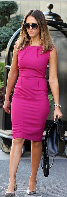 Jessica Alba's pink pleated dress