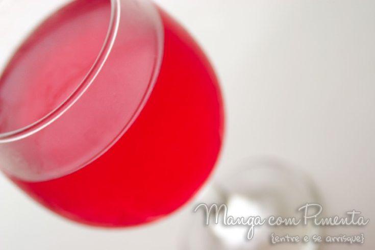 Gelatina de Melancia com Vodka, para ver a receita, clique na imagem para ir ao Manga com Pimenta.