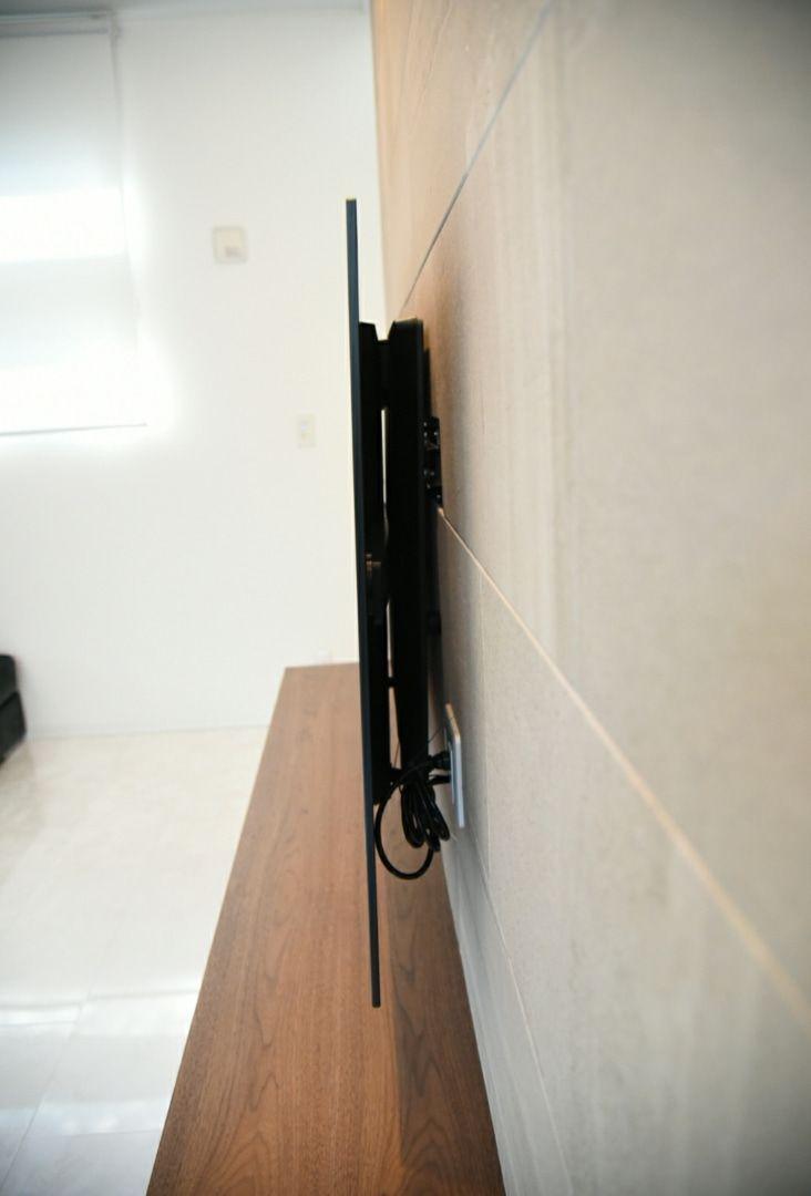テレビの隠蔽配管と造作テレビボードの工夫 壁掛けテレビ 配線