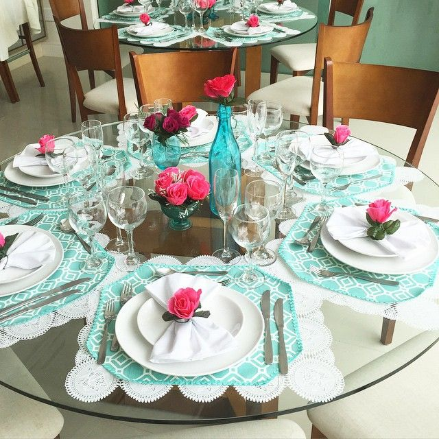 "1,106 Likes, 23 Comments - Vanessa Vasconcelos (@decoresaltoalto) on Instagram: ""Almoço de dia da mães com a Familia!  #decor #decoracao #diadasmaes"""