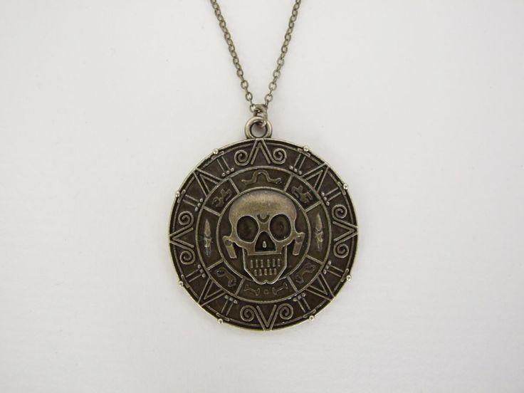 Colgante Los Piratas del Caribe. Moneda, bisutería Precioso colgante perteneciente a la moneda de oro azteca vista en la popular saga de Los Piratas del Caribe.