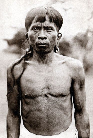 Ukit man of the Rejang District, sourced from http://www.vanishingtattoo.com/borneo_tattoos.htm #borneo #dayaks #tattoo #sarawak