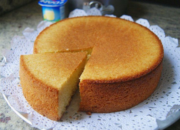 Receta de Bizcocho de Yogur o Torta de Yogur 1,2,3. Tomando como unidad de medida el vasito de yogur, conseguirás cocinar este rico bizcocho. Vídeoreceta