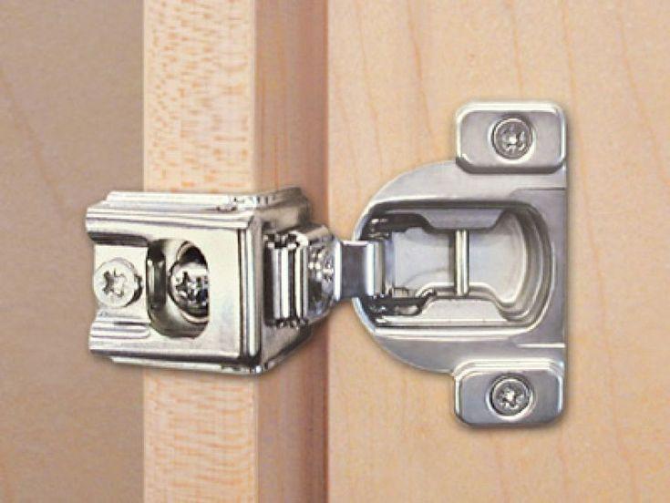 Truco para arreglar bisagras de cazoleta en puertas de cocina