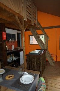 Safritop verhuurt Safari lodge tenten die in Afrikaanse stijl zijn ingericht. Elke tent heeft een thema uit der natuur van Afrika in de vorm van een land of dier. De kinderverdieping bevindt zich voor de lodge tenten op de 2e etage is ook op basis van dit thema ingericht. Per camping zijn er verschillende …