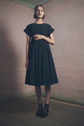 See the complete Samuji Pre-Fall 2015 collection.