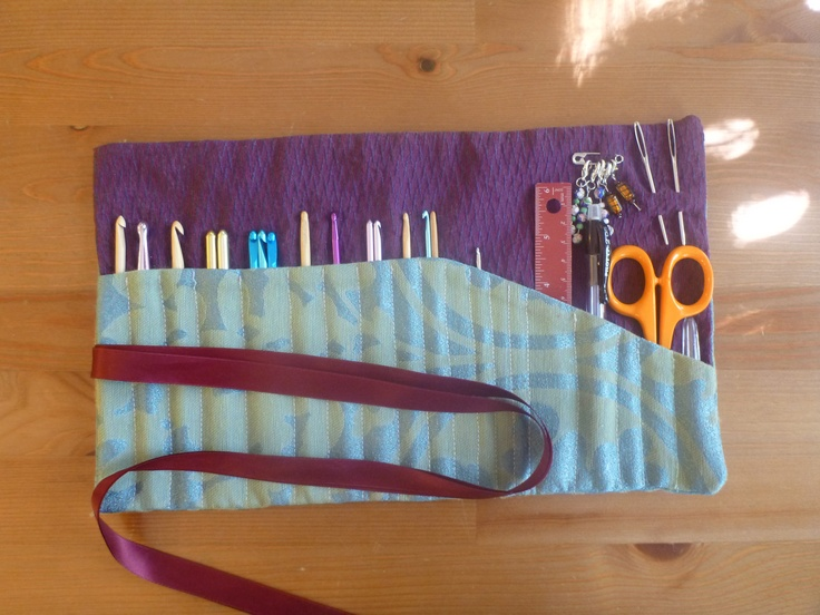 I made this for my crochet hooks a while back, but now I need to do one for all my knitting needles.