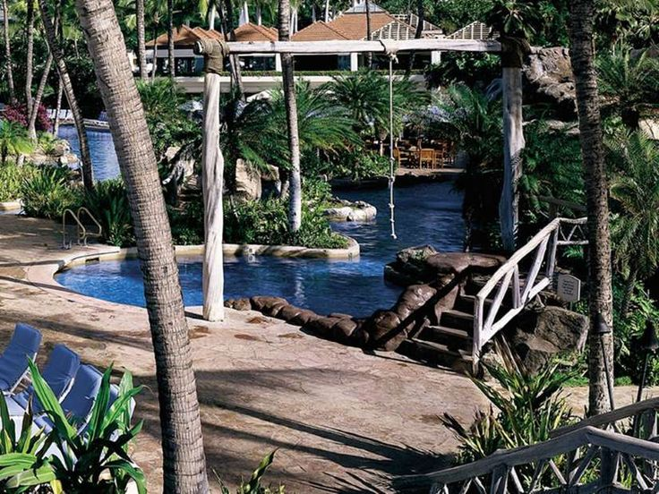 <p>The Grand Wailea is the most traditionally kid-friendly resort on Maui: It's got a 20,000-square-... - Courtesy Grand Wailea, A Waldorf Astoria Resort
