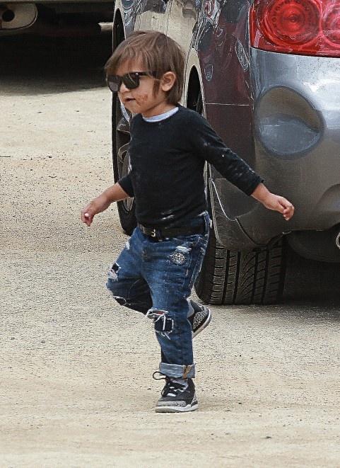Kourtney Kardashian Pregnant takes Baby Mason Disick to Farmer's Market.   Mason wearing 4's.