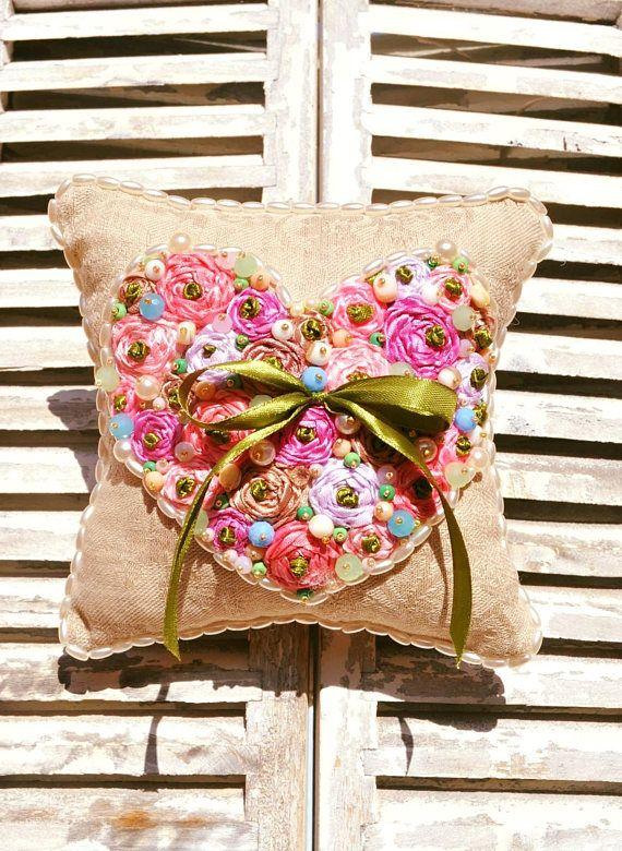 NUEVO!! almohada anillo boda, almohada shabby, almohada bordada, almohada con corazon, almohada con flores, regalo de boda, regalo de novias