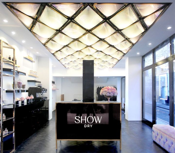 Show dry by wilson holloway london uk retail design for Salons wilson