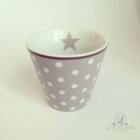 Tazzina per espresso in ceramica grigia con pois bianchi e stella interna grigia.