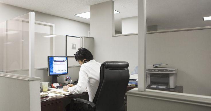 Cómo borrar la pantalla de la ventana de comandos. El símbolo del sistema es una característica integrada en Windows XP y Vista. Los usuarios de computadoras con mayores niveles de conocimiento técnico utilizan el símbolo del sistema para acceder a la información de la red y cambiar las propiedades de diferentes sistemas. Sin embargo, después de escribir un montón de comandos en el programa, la ...
