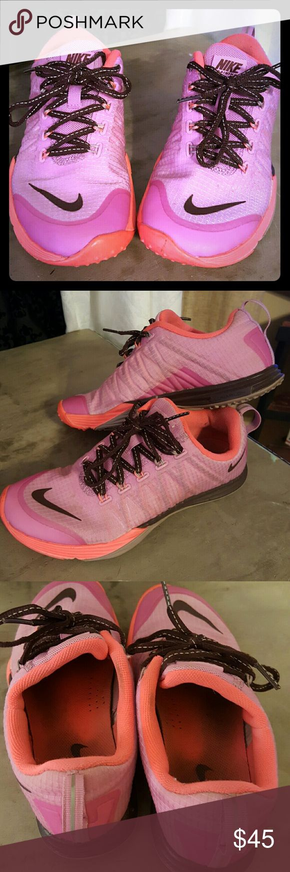 Nike Lunar Cross Element Adorable and very comfortable Nike Shoes Athletic Shoes