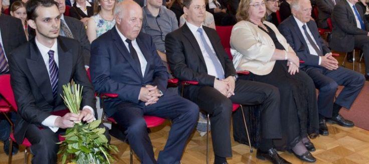 Ocenili slovenských vedcov roku 2016. Pre mladých majú dôležitý odkaz!