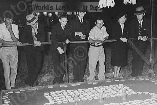 Louisiana Fair Pitching Pennies 4x6 Reprint Of 1930s Old Photo