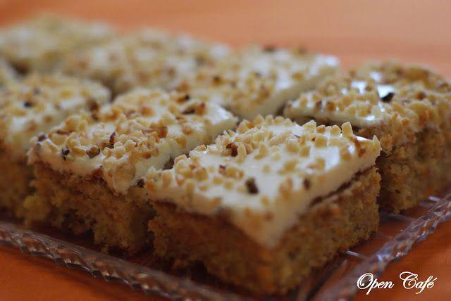 Open Café: Mehevä ananas-porkkanakakku