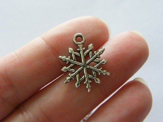 BULK 50 Snowflake Christmas charms  ( double sided ) 19 x 15mm antique silver tone SF12