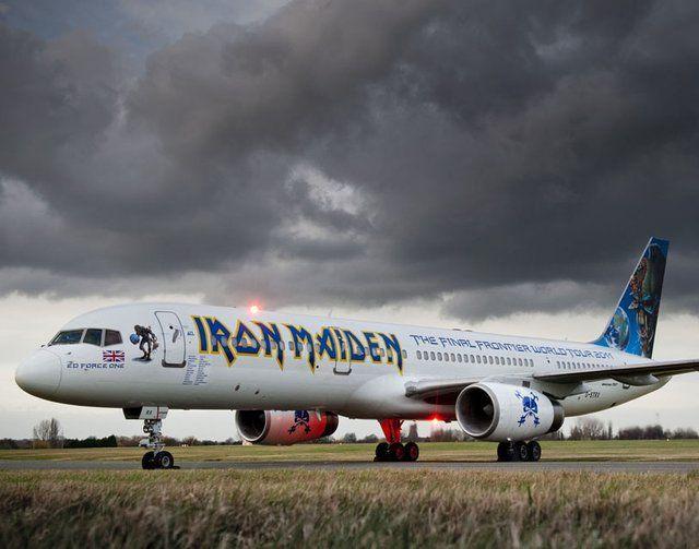 Iron Maiden - Plane