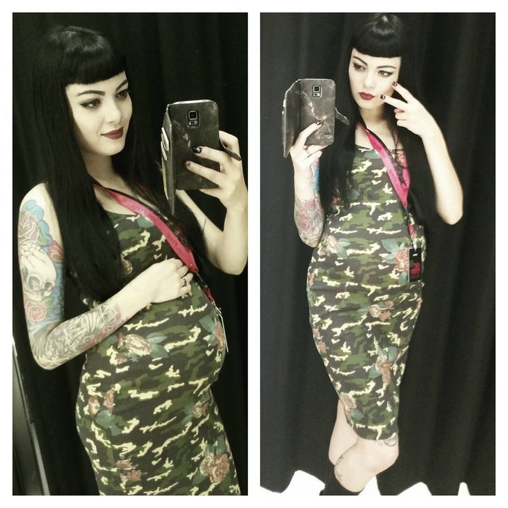 Work selfies while I can cause maternity leave is on the horizon and my feet are seriously swelling after work these days 😂 all those fun aches and pains #work #selfie #self #tattooedgirls #tattoos #camo #camouflage #lol #pregnancy #pregnant #babybump #mumma #shortbangs #blackhair