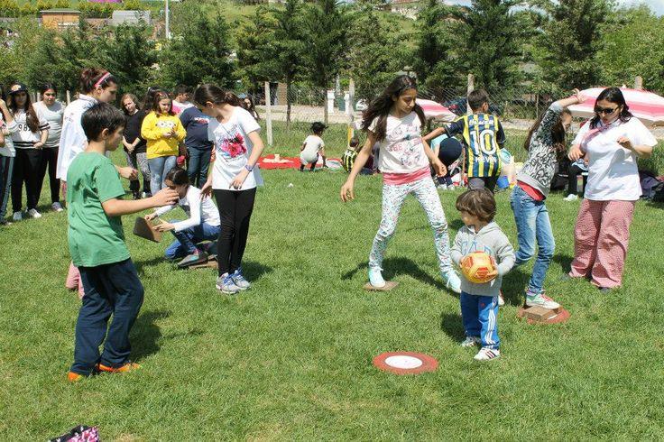 #simanimasyon#oyunu#Tuğla#yarışması#takım#oyunu#keyifli#heyecanlı#dikkat#isteyen#beceri#geliştiren#piknik#alanlarında#zevkle#oynanan ...