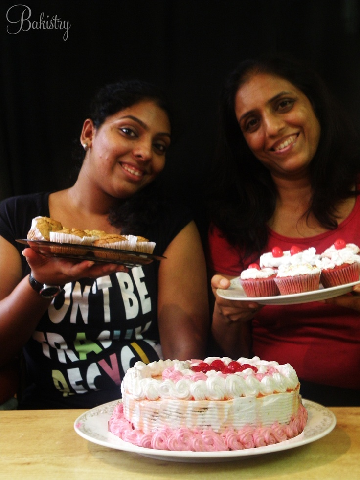 Heta learned eggless red velvet cake and cupcakes along with healthy banana walnut muffins!