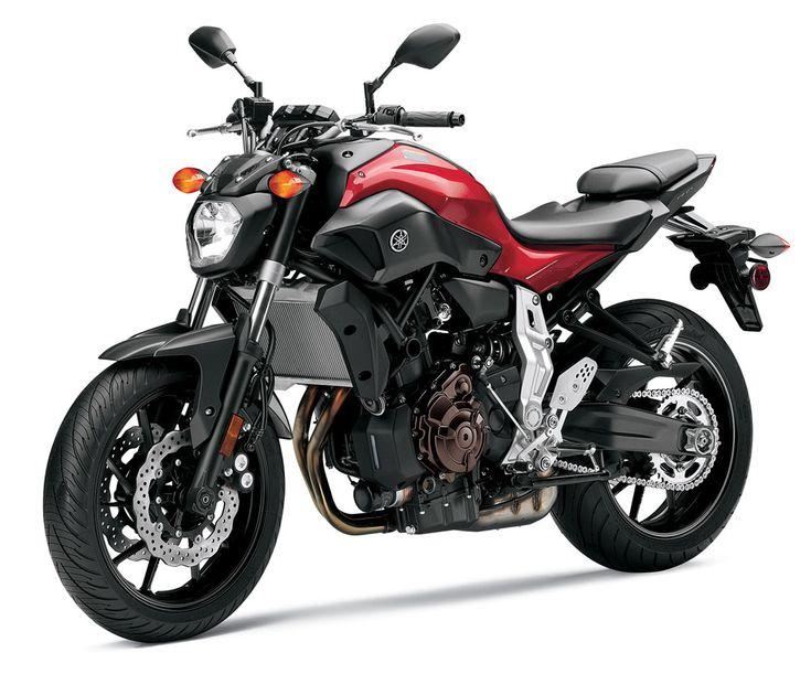 2014 Yamaha FZ-07 left three quarters