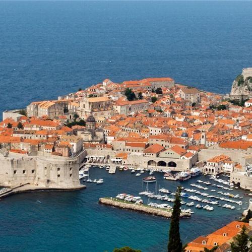 Kroatie. De ideale combinatie van Hotel  Zee! https://www.hotelkamerveiling.nl/hotels/kroatie.html