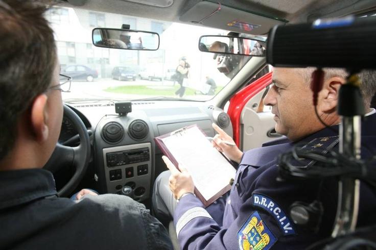 """Maramures - Instructor auto, arestat preventiv dupa ce a promis ca """"aranjeaza"""" obtinerea unui permis"""