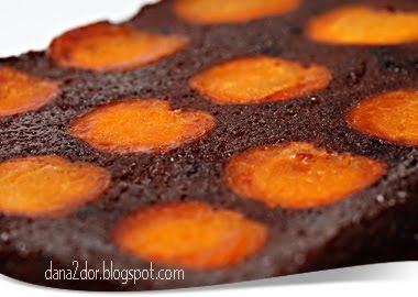 Clipe dulci si parfumate: Negresa ciocolatoasa cu caise