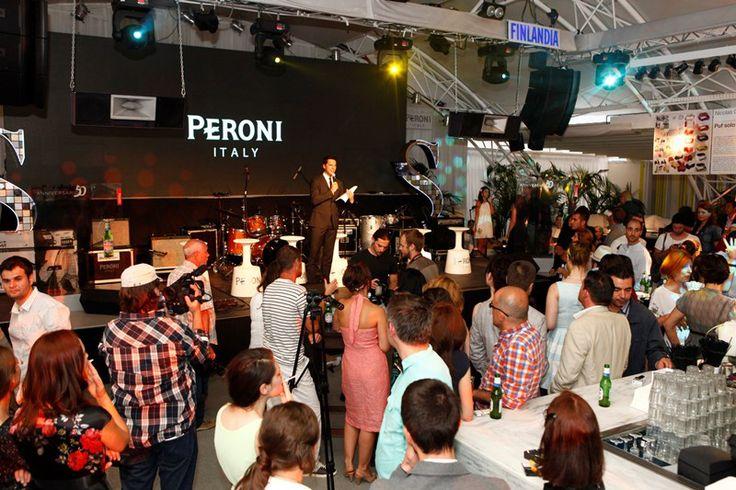 Peroni Nastro Azzurro, 50 de ani de eleganta in stil italian. --> Citește mai multe pe www.luxul.ro