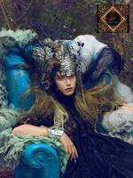Glamour Hunter presenta su nueva colección de vestidos de fiesta AD Libitum - Ediciones Sibila (Prensapiel, PuntoModa y Textil y Moda)