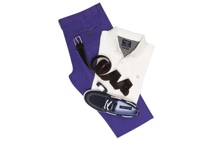 Pantalones: Purificación García, polo: Hackett, cinturón: Incotex, pulsera: Louis Vuitton, zapatos:Tommy Hilfiger