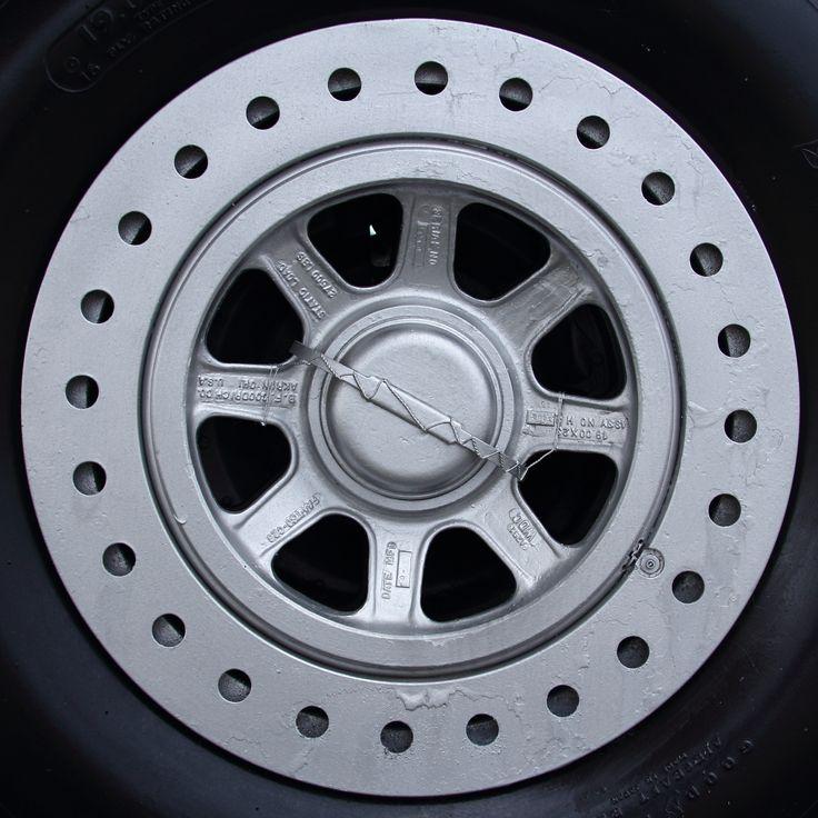 飛行機のタイヤ タイヤ 飛行機