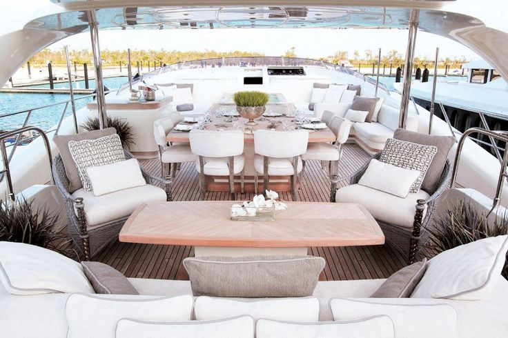 Get Amazed With These Luxurious Yacht Dining Tables| www.bocadolobo.com #bocadolobo #luxuryfurniture #exclusivedesign #interiodesign #designideas #yacht #richlifestyle #yachtdiningtable #yachtdesign #yachtdesignideas #luxuriousyacht #luxurybrand #luxury #rich #diningtable #moderndiningtable