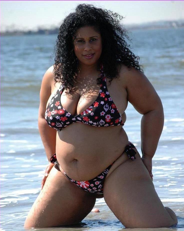 big women bikini - photo #2