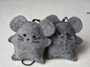Education and ICT 15 fantastic crafts to do with Felt - very sweet mice ornaments! ~M x