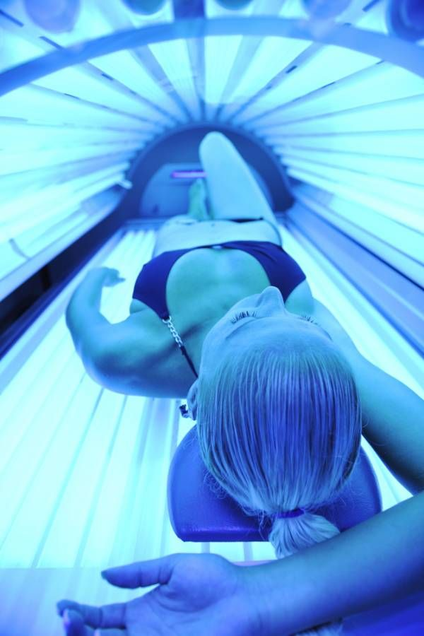 You know you need to get enough vitamin D, but do you know which is the best way to get it? What are the benefits of the sun versus a tanning bed? And where do supplements rank?
