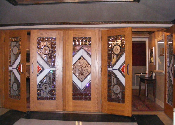 Those french doors you saw into the lobby in the previous picture no longer exist (sigh) but here are the new ones we replaced them with (20 years ago)