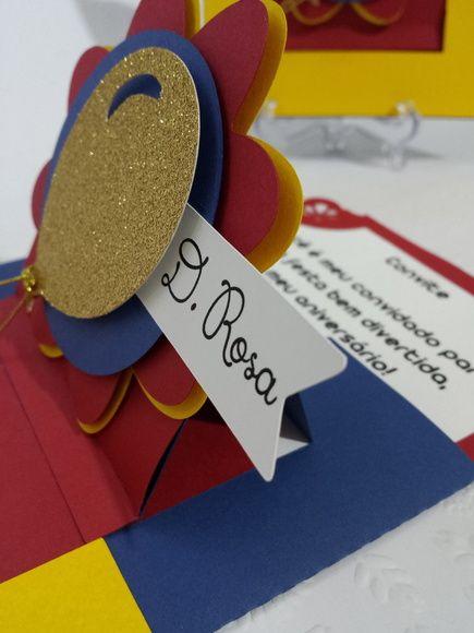 Convite circo com efeito pop up (veja vídeo no nosso instagran) que abre deslizando e revelando a mensagem.  Com efeito 3D (em camadas) e balão com papel gliter. R$ 180,00