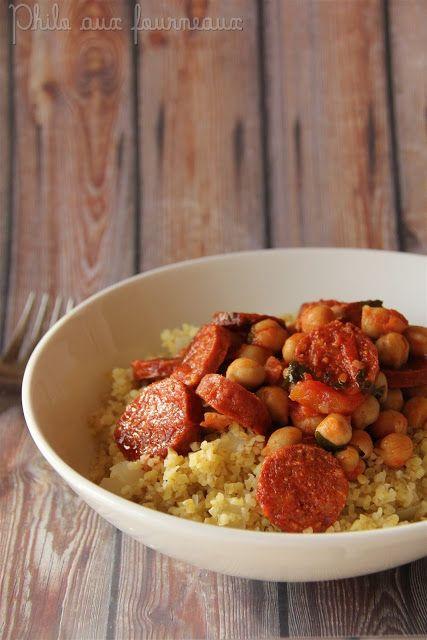 Ragoût de chorizo, pois chiches & tomates, pilaf de boulgour comme un couscous