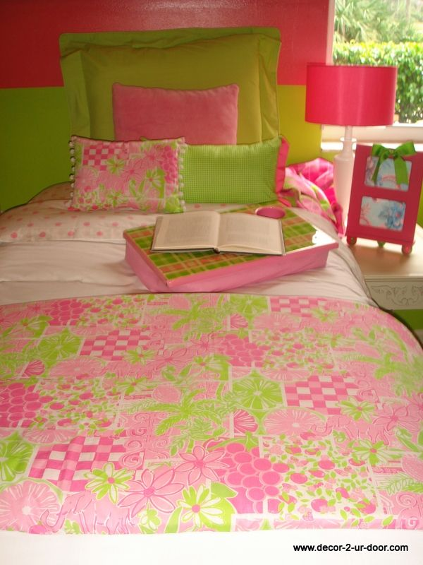 Mizner Patch Lilly Pulitzer Custom Dorm Room Bedding [itu0027s Like They Copied  My Room Or Something.